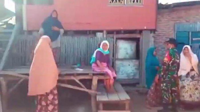 Ibu-ibu di Sikka Lempari Petugas Medis dengan Beras & Jagung Tolak Jalani Tes Swab
